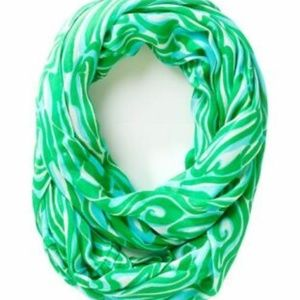 Lilly Pulitzer Infinity Loop Scarf Riley